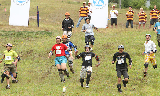 cheese_rolling_6